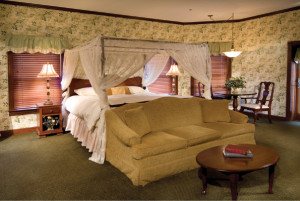 Carlisle-Inn-Sugarcreek-Ohio-Rooms