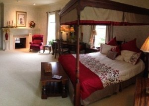 miller-manor-master-bedroom